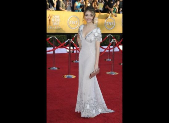 I like this dress a lot - Temperley is the designer. Sarah Hyland is really developing a lovely, young, look. Lea Michelle, take note.